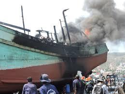 Trang bị tốt thiết bị phòng cháy chữa cháy trên tàu thuyền